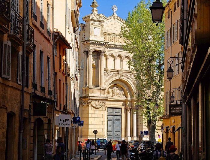 Profitez d'Aix-en-Provence pendant le printemps