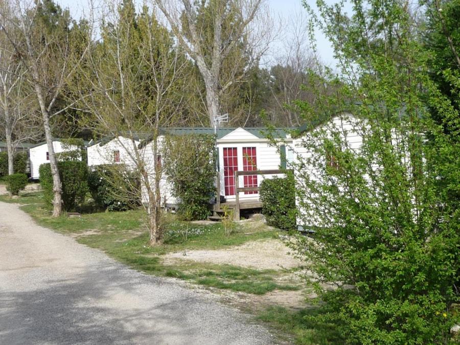 Mobil Home Colorado - vue extérieure - Camping Chantecler ★★★★ Aix en Provence (13)