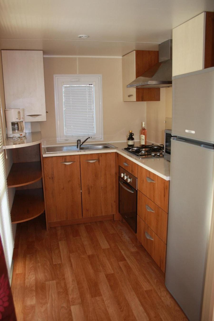 Location Mobil Home Luxe 33 - cuisine équipée - Camping Chantecler ★★★★ Aix en Provence (Sud de la France)