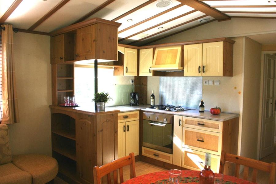 Mobil Home Castelane - Cuisine équipée - Camping Chantecler ★★★★ Aix en Provence (Sud de la France)