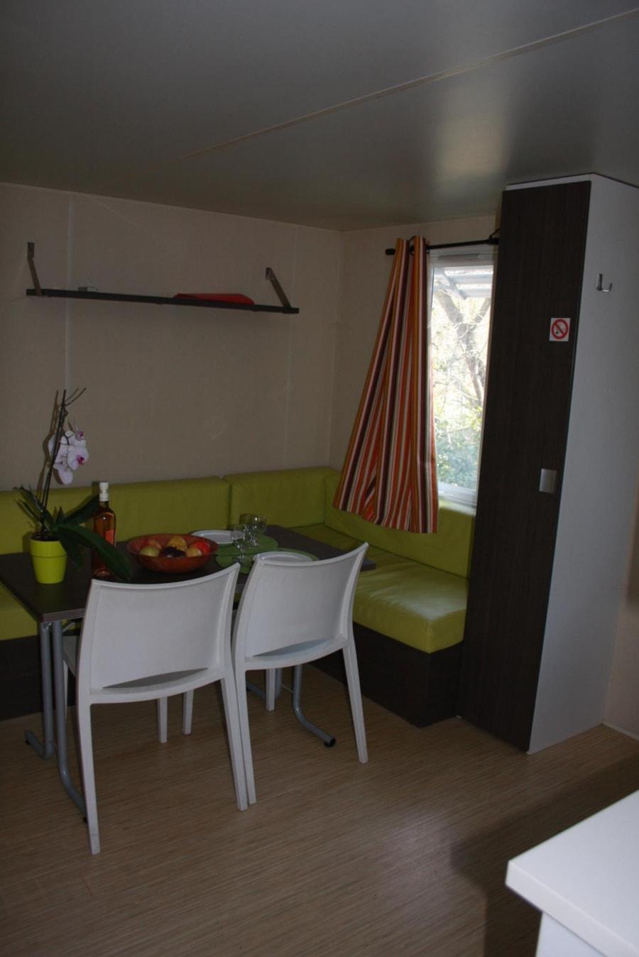 Mobil Home Solo - coin salle à manger - Camping Chantecler ★★★★ Aix en Provence (Sud de la France)
