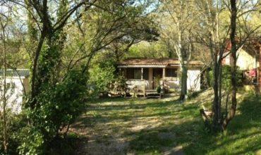 Location Chalet Cottage 128 - 3 personnes - 2 chambres - Camping Chantecler ★★★★ Aix en Provence (Sud de la France)
