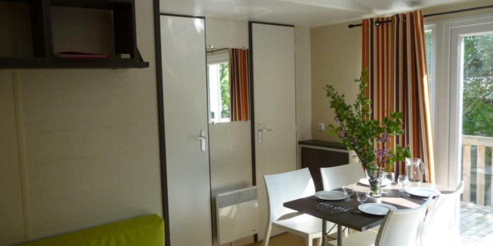 Location Mobil Home Luxe - salle à manger - Camping Chantecler ★★★★ Aix en Provence (Sud de la France)